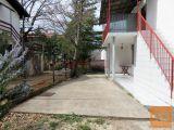 Malinska, okolica, apartman u prizemlju obiteljske kuće na